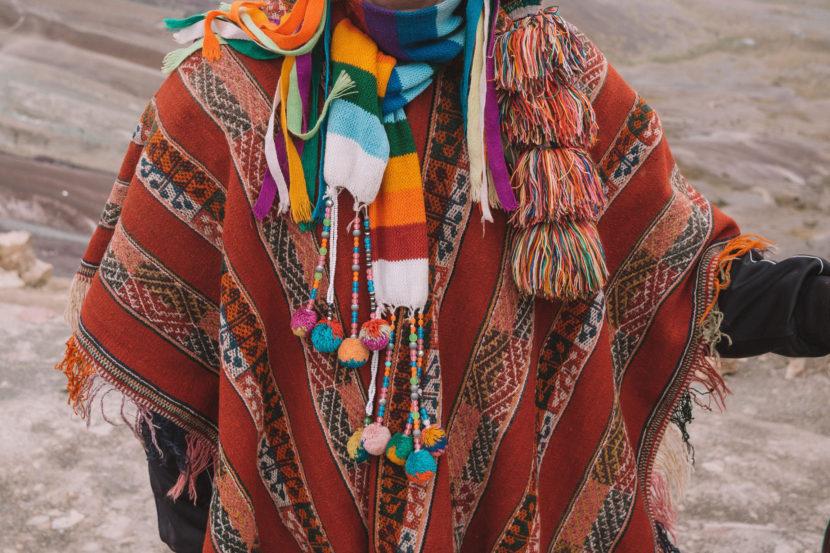 ポンチョは南米の民族衣装